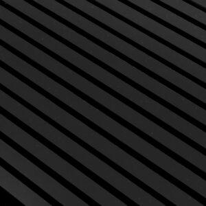 lekker-spilepanel-med-svarte-spiler-paa-svart-filt