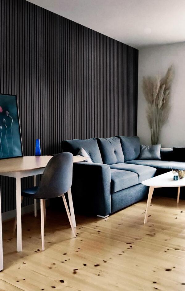 svart-ask-femhever-fargene-i-interioret